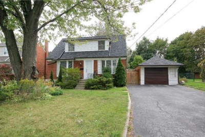 North York, Newtonbrook West, House